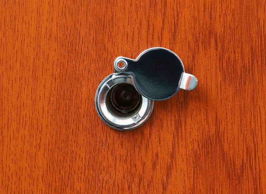 how to install a peephole